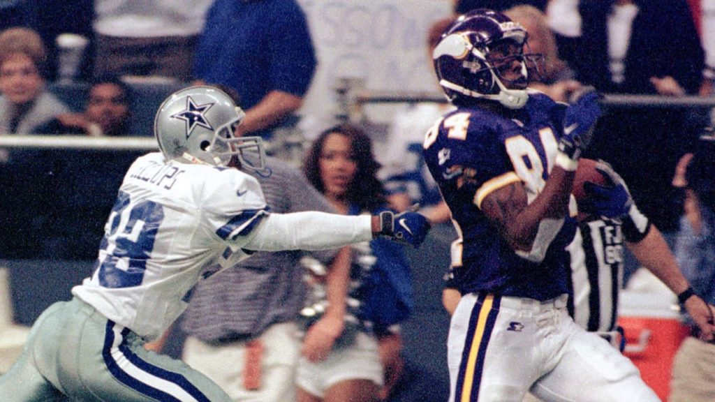 Photo: Randy Moss Torches Cowboys On Thanksgiving