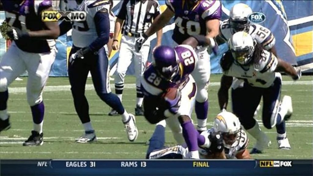 Photo: Adrian Peterson vs San Diego Chargers, 2007