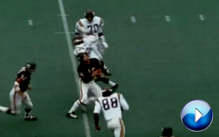 Chicago Bears Quarterback Bobby Douglass Gets Clotheslined