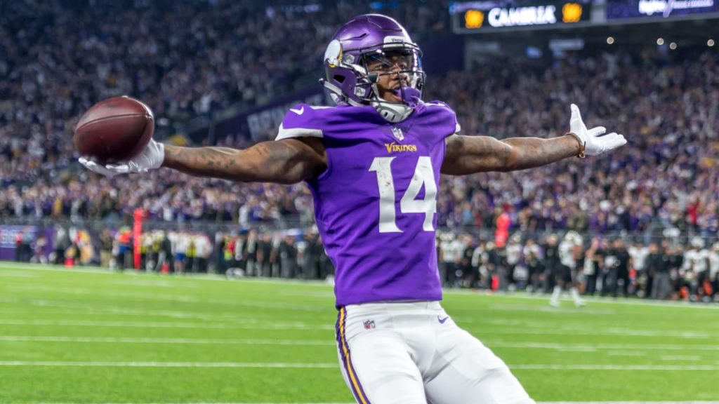 Photo: Stefon Diggs- Minneapolis Miracle