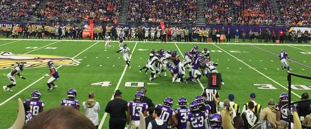 Photo: Vikings vs Broncos