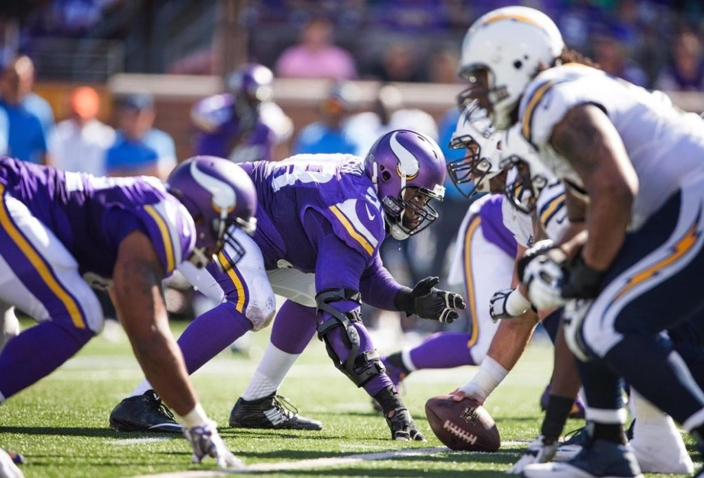 Photo: Vikings Defensive Line vs Chargers