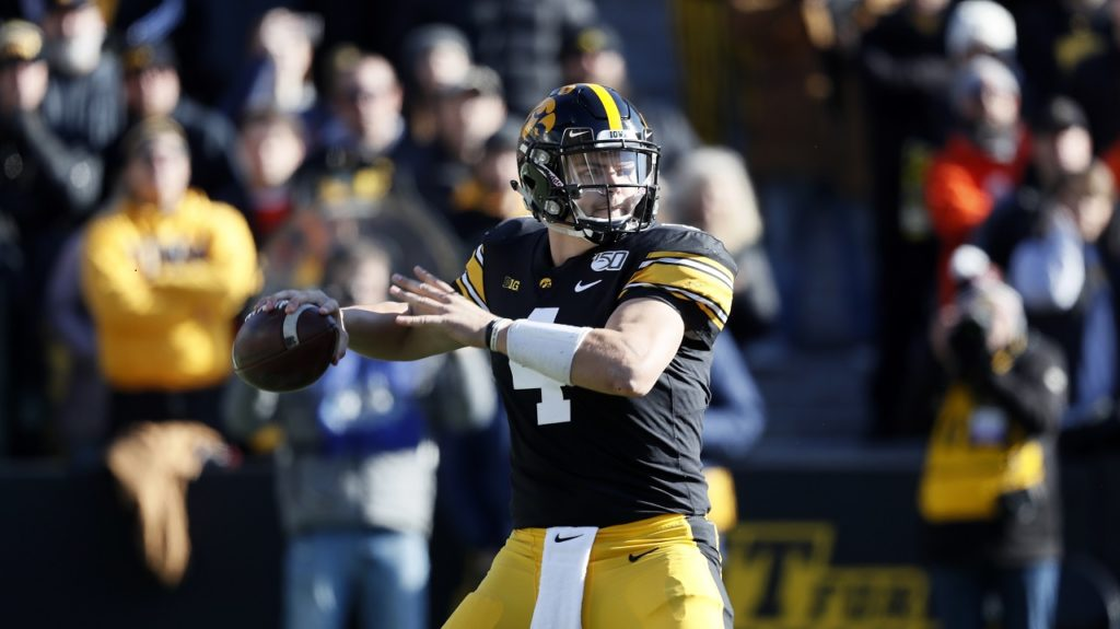 Photo of Iowa quarterback Nate Stanley